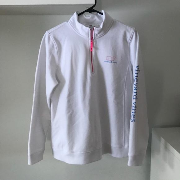Vineyard Vines white sweatshirt!